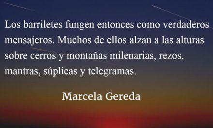 Barriletes y mensajes escritos en papel de china. Marcela Gereda.