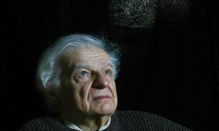 """Yves Bonnefoy: """"La sociedad sucumbirá si la poesía se extingue"""""""