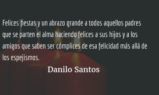Un niño grande y Santa. Danilo Santos.
