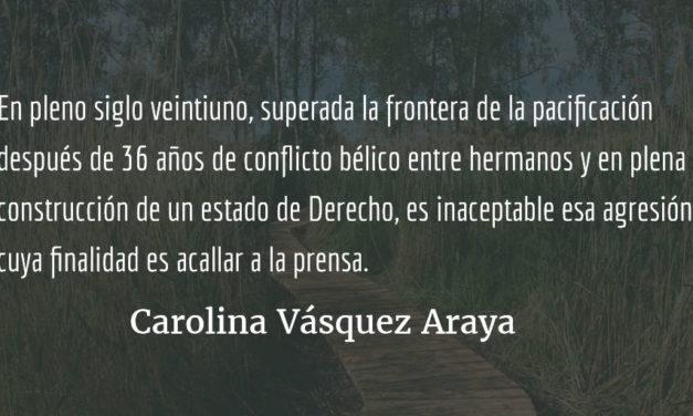 Marielos y los dinosaurios. Carolina Vásquez Araya.