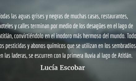 Semáforos en Panajachel. Lucía Escobar.