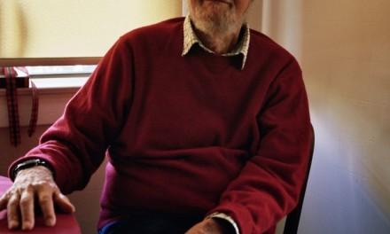 """""""Un escritor no se retira hasta que no puede sostener el bolígrafo"""": Lawrence Ferlinghetti"""