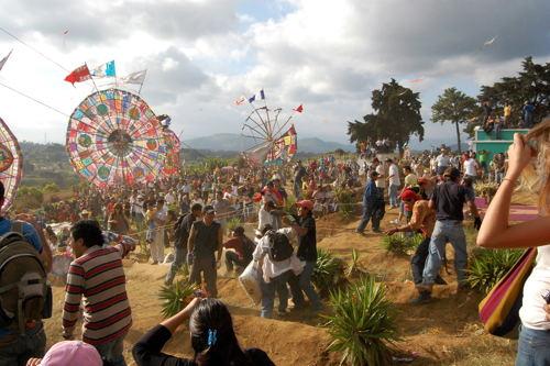 Barriletes a los difuntos en Santiago Sacatepéquez