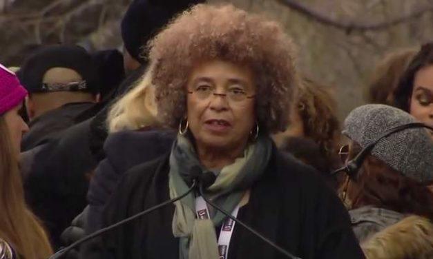 Nos comprometemos con la resistencia colectiva: Angela Davis