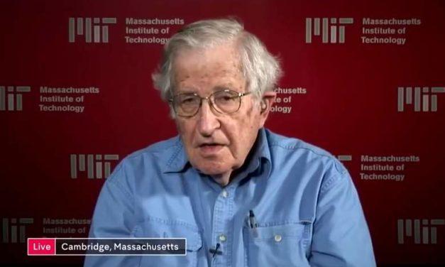 Entrevista a Noam Chomsky sobre Estados Unidos y Donald Trump