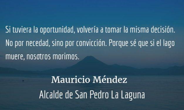 Plática con el alcalde que prohibió las bolsas plásticas. Marcela Gereda.