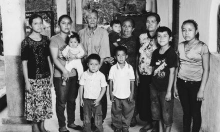 Inmigración en Estados Unidos y México: Retratos de refugiados guatemaltecos en el limbo. Óscar Gil-García.