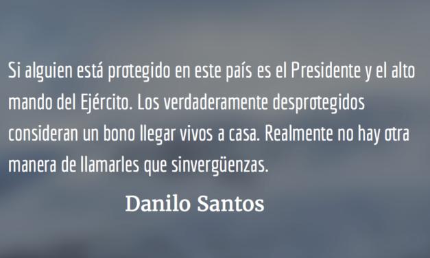 Sapos y alacranes. Danilo Santos.