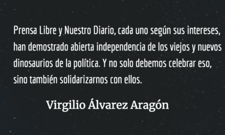 Cuando los dinosaurios atacan. Virgilio Álvarez Aragón.