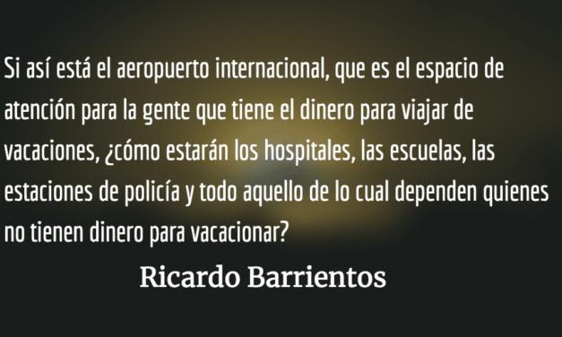 Caos en el aeropuerto La Aurora. Ricardo Barrientos.