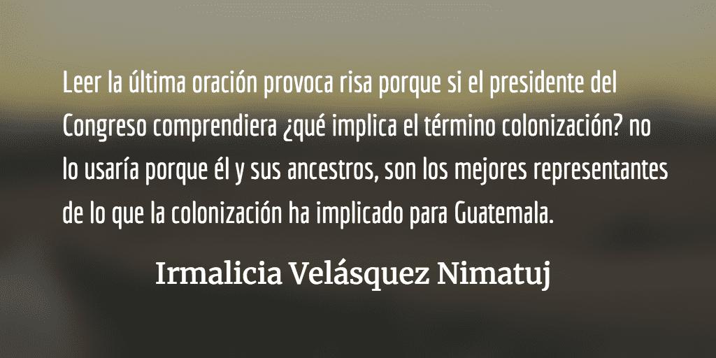 El colonizador Álvaro Arzú Escobar hablando de colonización. Irmalicia Velásquez Nimatuj.